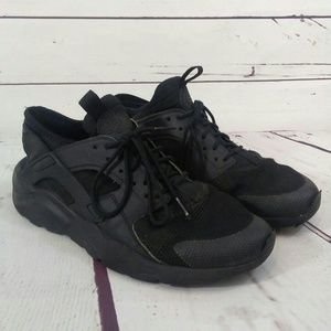 Nike air Huarache running shoes size 8